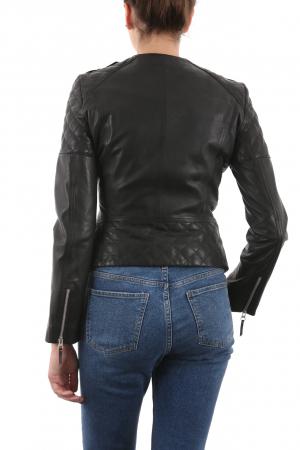 Nettoyer une veste en cuir noir